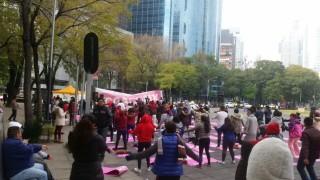 Domingo de Yoga CDMX en Paseo de la Reforma