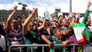 """Celebran más de 75 mil personas Día del Padre en """"ZOCAFUT"""" con triunfo de México contra Alemania"""