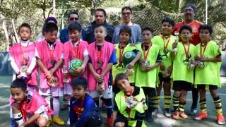 Se activan niños en Torneo de Futbol de la Rosca