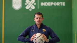 """Entrenador de futbol soccer femenil de pumas te invita a activarte con """"PONTE PILA EN CASA"""""""